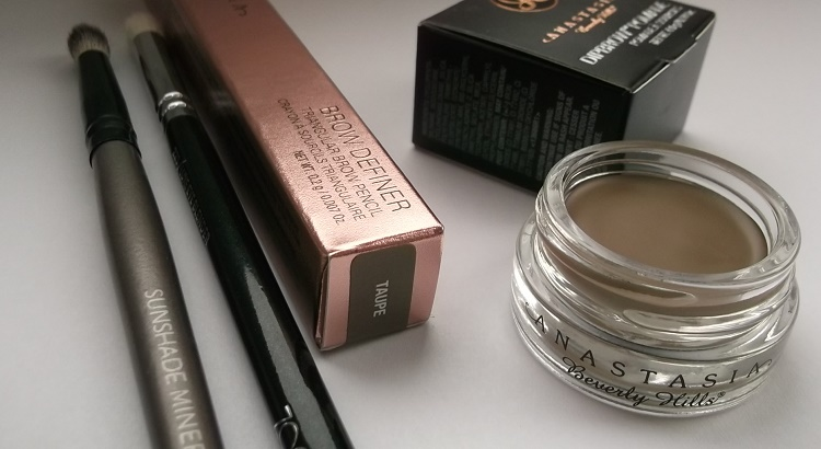 mostglamour Anastasia Beverly Hills Pomade and Definer in Taupe pic01