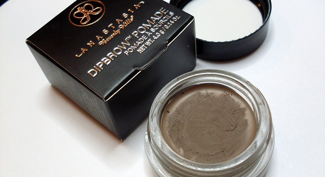 DIPBROW Pomade in Taupe Anastasia Beverly Hills 2