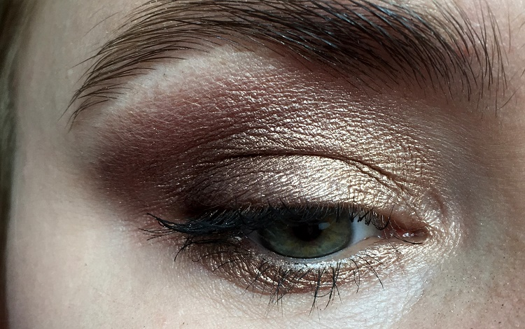 too-faced-chocolate-bar-evening-makeup